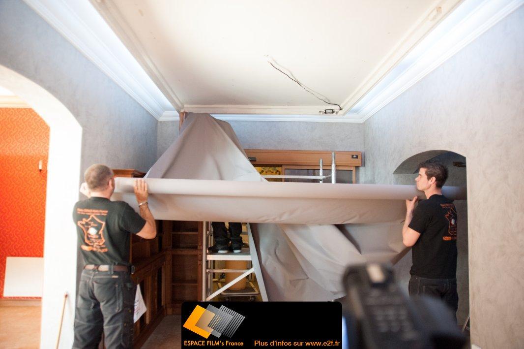 papier peint a peindre pour plafond cout renovation maison. Black Bedroom Furniture Sets. Home Design Ideas